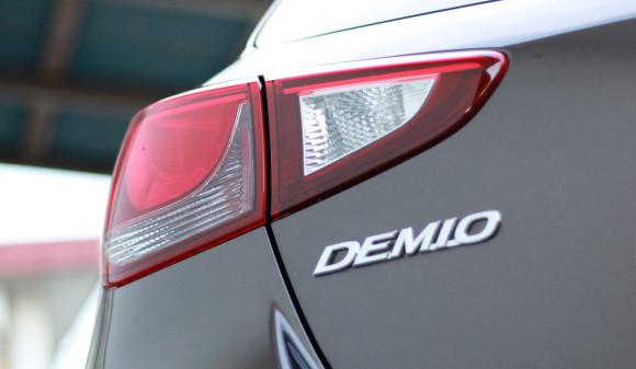 新型デミオ 13S リアランプ