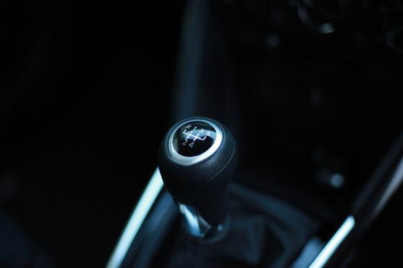 新型デミオ 13S インテリア 車内 シフトノブ