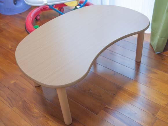 つかまり立ちを始めた子供でも安心のニトリのローテーブル