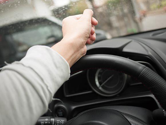 マツダ 新型デミオ ドライビングポジション ステアリング位置